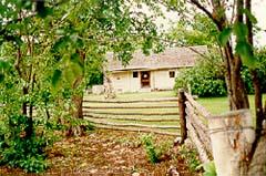 La maison Negrych vue du jardin
