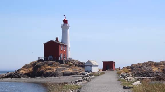 Fort Rodd Hill and Fisgard Lighthouse, a family experience - Journey to Fort Rodd Hill and Fisgard Lighthouse National Historic Sites! Experience Jeep tours, games, arts and craft, guns and cannons, exploration - there's no shortage of fun!