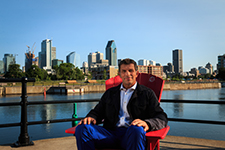 Montréal Canadiens general manager recounts his memories of the Lachine Canal in one of Parks Canada's red chairs