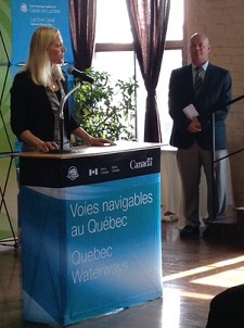 The Honorable Catherine McKenna, Minister of Environment and Climate Change and Minister responsible for Parks Canada, and Luc-André Mercier, Director of the Quebec Waterways