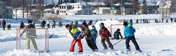 Youth play hockey on the Chambly Canal