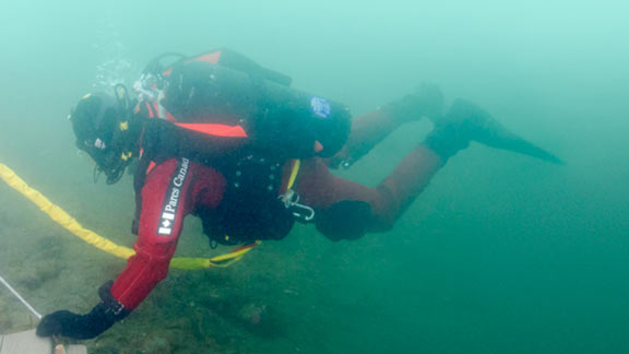 Watch the first-ever underwater guided tour of HMS Erebus. Join Ryan Harris of Parks Canada's Underwater Archaeology Team as he reveals secrets of the wreck. Filmed under the Arctic ice in April 2015.