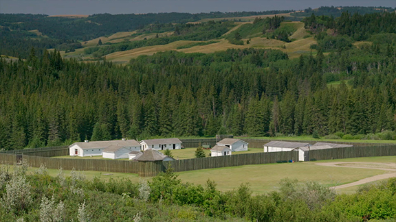 The Fort Walsh/Cypress Hills Massacre National Historic Site have created meaningful visitor experiences that give voice to the Métis story in the Cypress Hills area. Hear Métis legends handed down through generations and learn traditional crafts and skills.