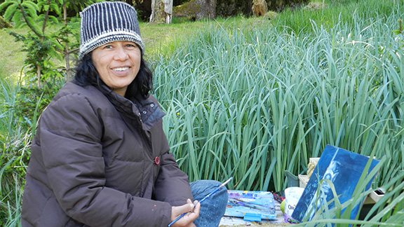 Artists in Gwaii Haanas Resi... - A video showing artist Rosa Quintana Lillo enjoying the Gwaii Haanas artist residency program.