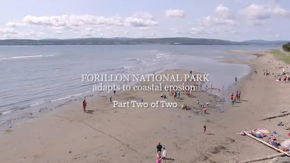Climate change are not the only cause of the coastal erosion accentuation. Another important factor is the presence of infrastructures along the shores. Watch this video to learn how Forillon National Park, guided by the studies of Université du Québec à Rimouski, has adapted its facilities along the shores to adjust to coastal erosion.