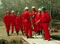 Group of wardens being briefed at fire site