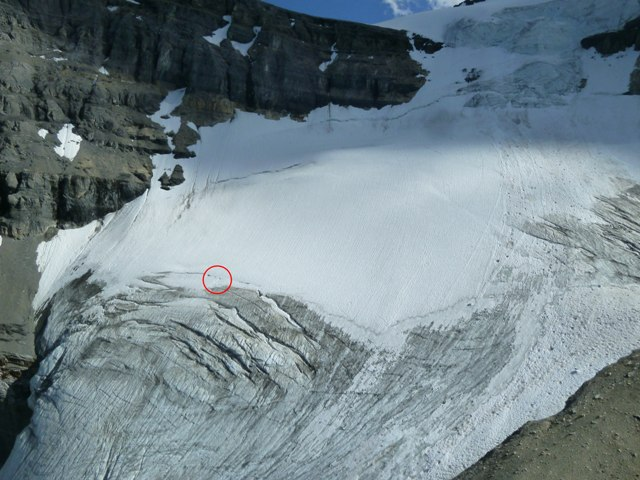 The red circle indicates the location of the crevasse fall and subsequent rescue.