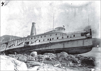 SS Carolina wrecked at Pointe à Passe-Pierre