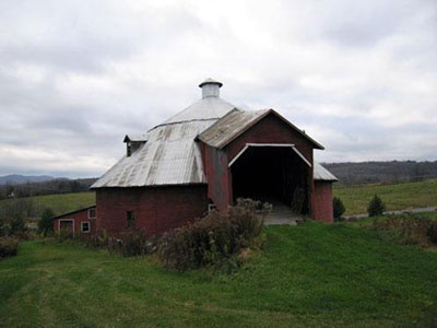 General view of Mansonville Round Barn