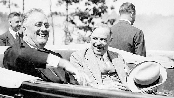 Roosevelt et King à l'inauguration du Pont international des Mille-Îles en 1938