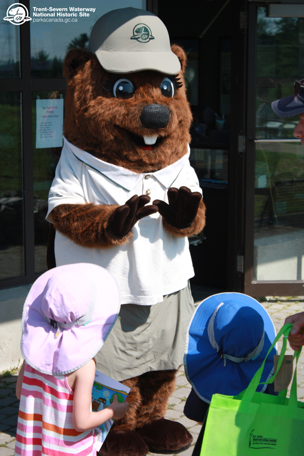 Parka greets some young visitors to the Big Chute Visitor's Centre.