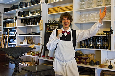 Lorenzo welcomes you in the St-Laurent's general store
