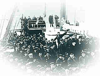 Immigrants arriving in Canada, around 1900
