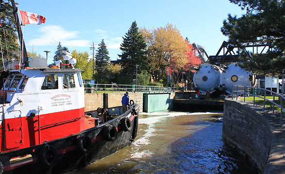 On a Barge, Specialized Equipment for Heating Wood Chips