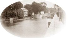 The old mill and the entrance of the lock seen from the East in 1907