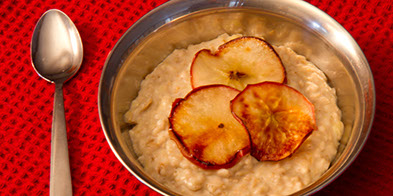 Banana Oatmeal with Grilled Apples