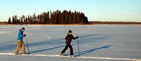 Cross Country skiing on Astotin Lake