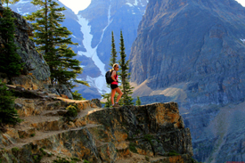 Hiker at Wiwaxy Gap above Lake O'Hara © Parks Canada / Alan Dibb