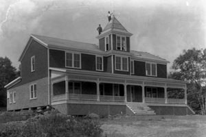 Construction of Kedge Lodge (historical photo)