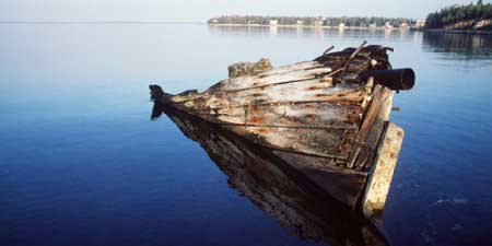 The wreck of John and Alex at low water level, Fathom Five National Marine Park