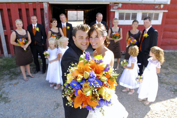 Nuptials at the workhorse barn