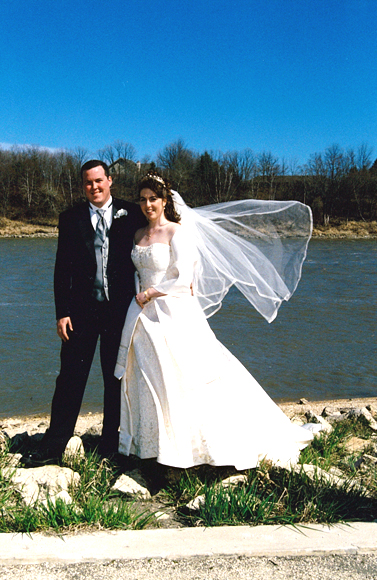 <br />Bride and groom along the banks of the Red River