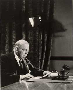 Mackenzie King reading speech.