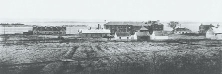 View of the hospital complex located in the eastern sector of the station at the end of the 19th century. Only a few archaeological vestiges testify to the era of bustle and activity once characterizing this area.