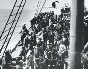 Entre 1832 et 1937, plus de 4 millions d'immigrants transitent par le port de Québec.