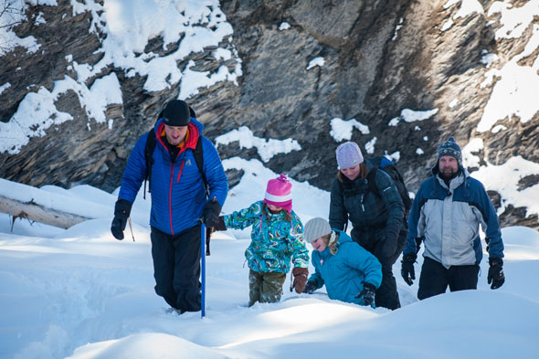 A guided family outing in Maligne Canyon